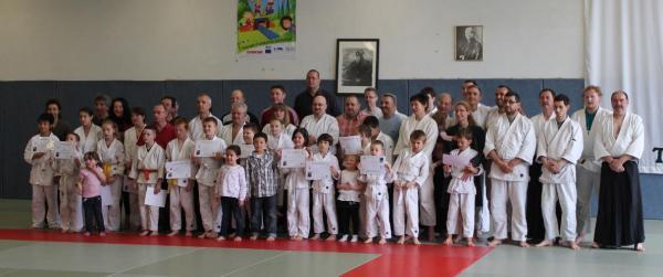 Parents et Enfants sur le Tatami Pour la remise des grades de l'AIKIDO